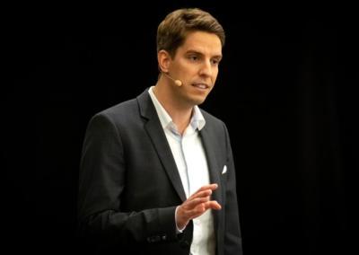 Sebastian-Decker-Speaker-Slam-web